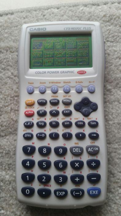 381b3735aa6 Calculadora Grafica casio CFX-9850GC plus com muito pouco uso. - Santa  Maria Maior