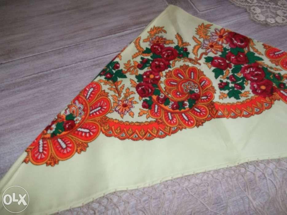 Meio lenço com franja