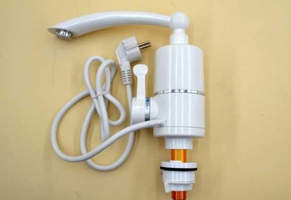 Проточный водонагреватель Delimano на кран смеситель - бойлер.