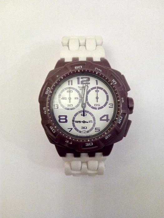 bf7452f7411 Relógio Swatch Chrono Plastic Purple Funk (SUIV400) Lisboa • OLX Portugal