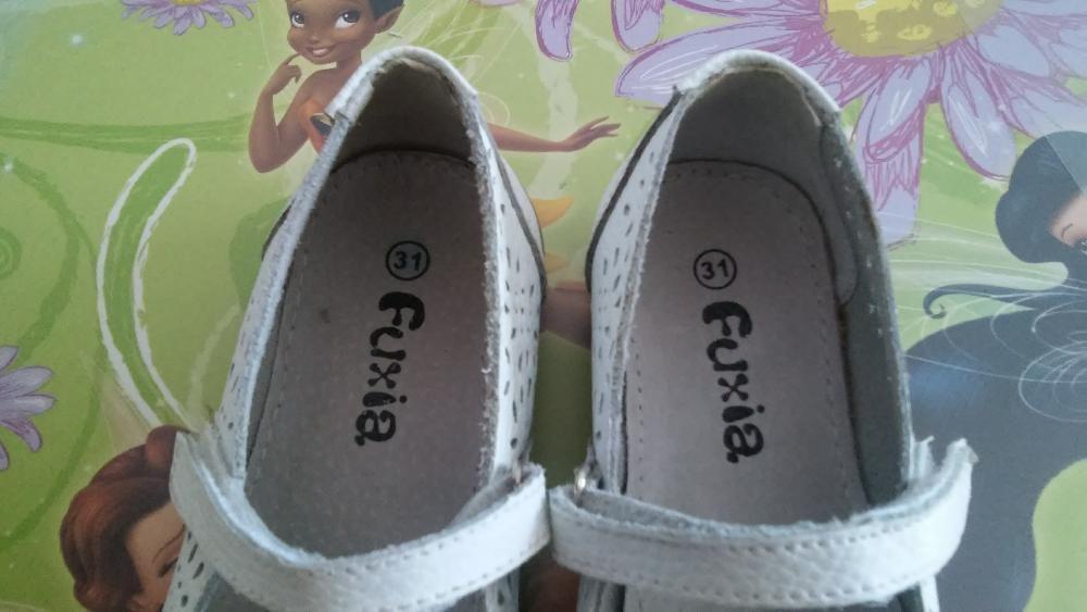 Sapatos em pele n.31