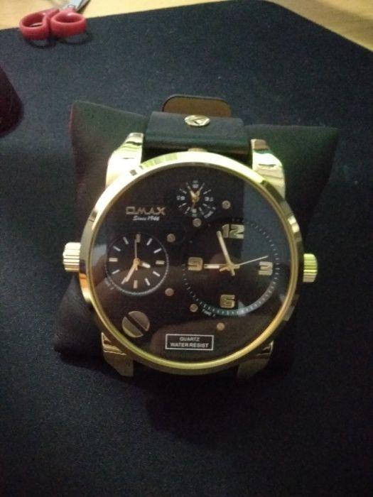 Relógio Omax XL