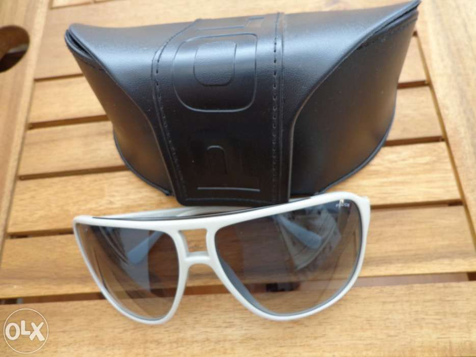 Oculos Police - OLX Portugal - página 3 2ce215bb40