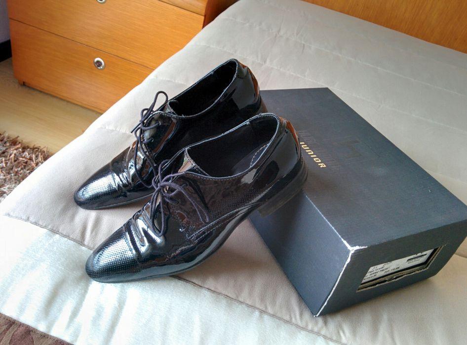 """Sapatos de verniz preto n""""35"""