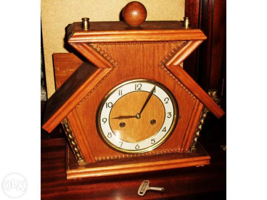 f587ab4e968 Relógio antigo a corda com música. a trabalhar. junghans.