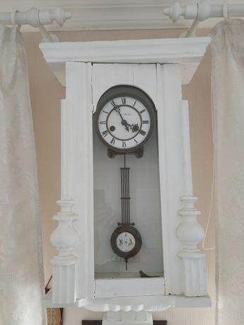 Старинные настенные с боем продам часы владивостока работы ломбарды часы