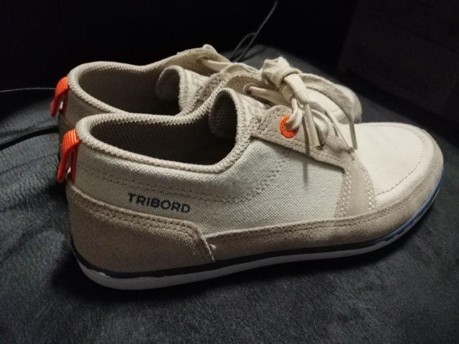 Calçado menino nº 33 Botas e sapatos de vela Porto • OLX