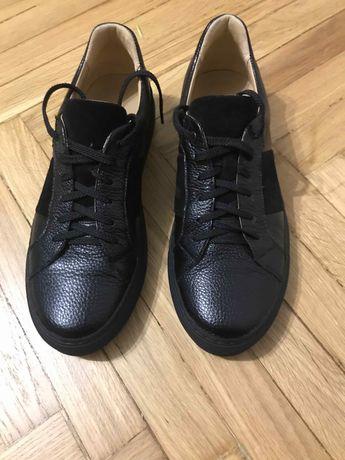 Антон кузьмин обувь музыка из игры девушки за работой