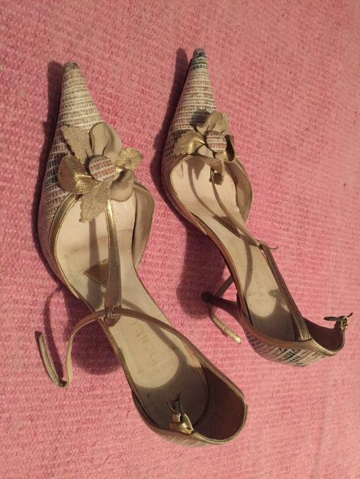 Sapatos de senhora de salto alto marca Haity