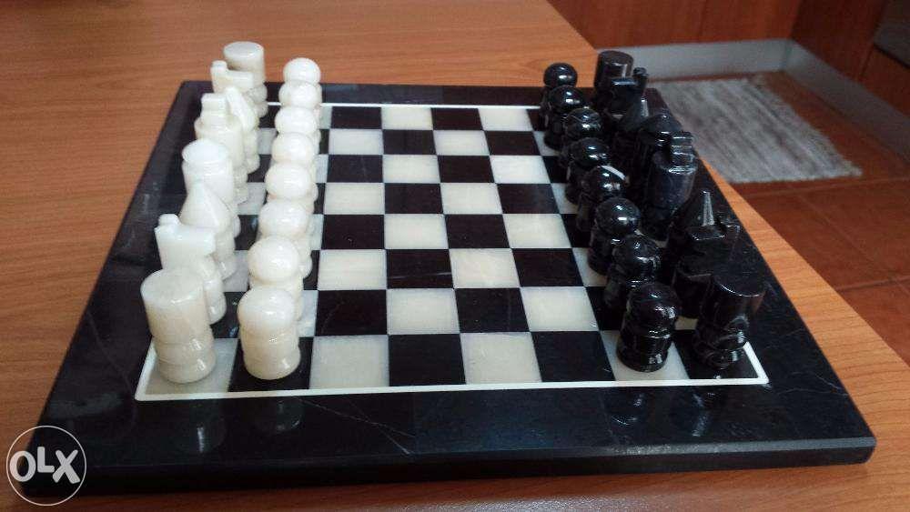 Jogo completo de Xadrez + tabuleiro