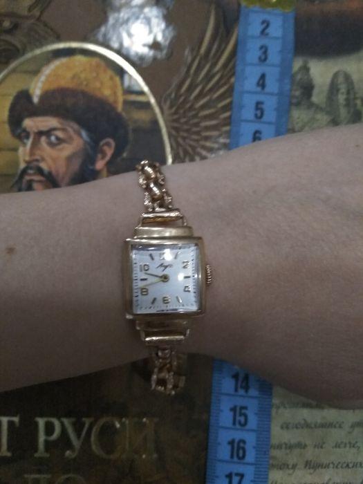 Женские золотые луч продам часы ломбард солнцево часовой в