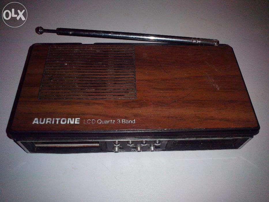Rádio Auritone LCD Quartz 3 Band