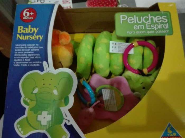 vendo brinquedos de criança