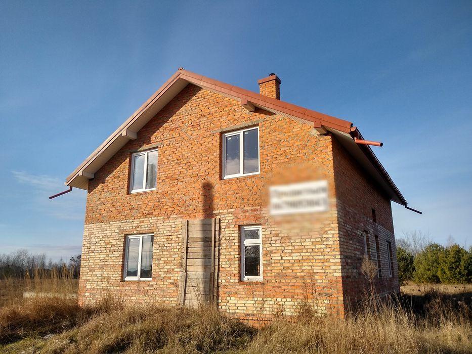 Будинок, земельна ділянка