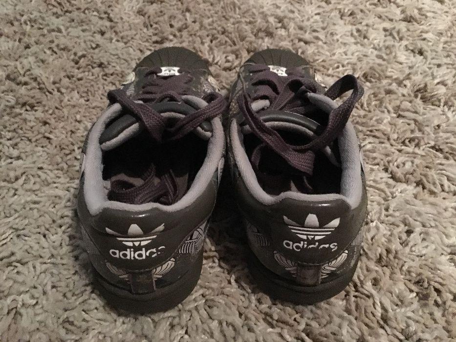 Ténis Adidas Superstar A Branco   Ténis e Sapatilhas   Dott.pt