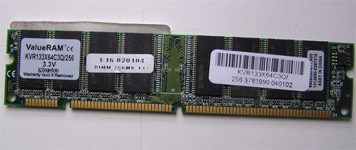 Memória Kingston DIMM 256 133 KVR133X64C3Q/256 3.3V