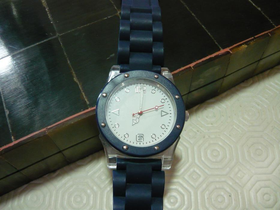 2e00dbbb141 Bonito relógio de pulso - Colecionadores
