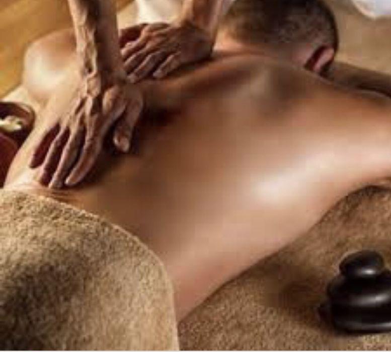 Massagem Terapêutica em gabinete.