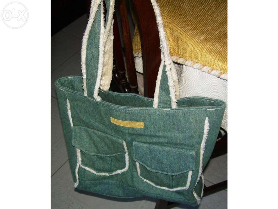 c3208f65c5832 Saco mala para senhora da quiksilver (em ganga) Loures • OLX Portugal