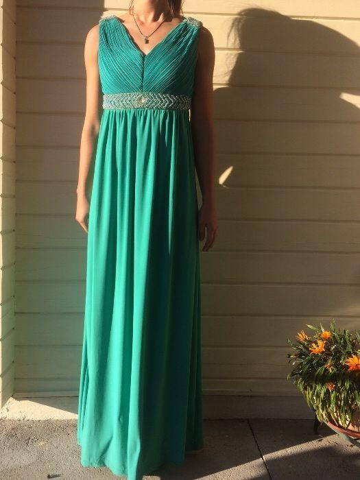 Vestido comprido verde decotado passagem de ano gala