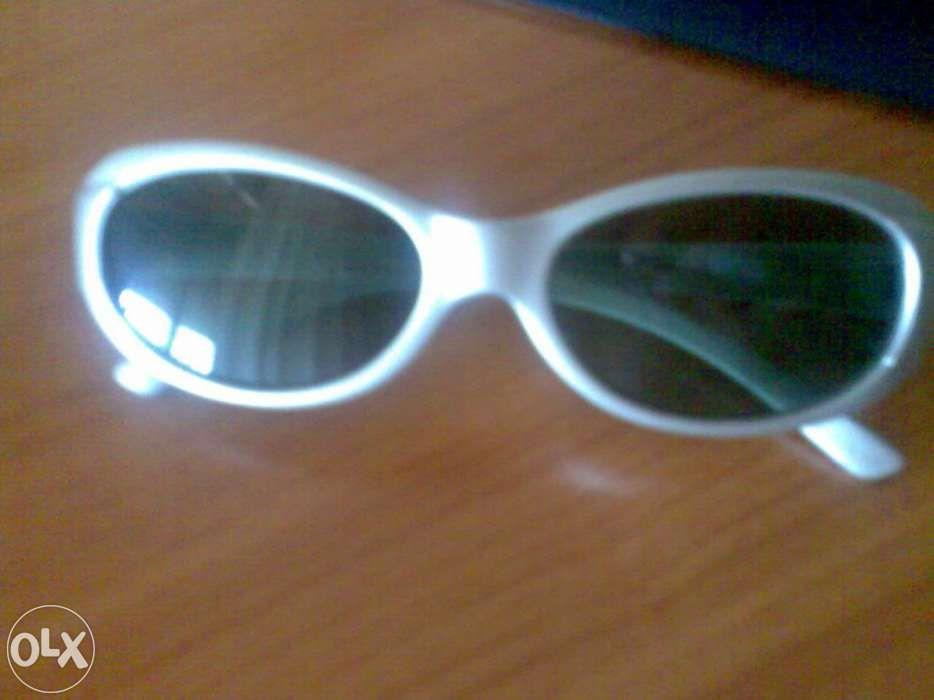 Oculos De Sol - Malas e Acessórios em São Domingos de Benfica - OLX ... 7504717dd4