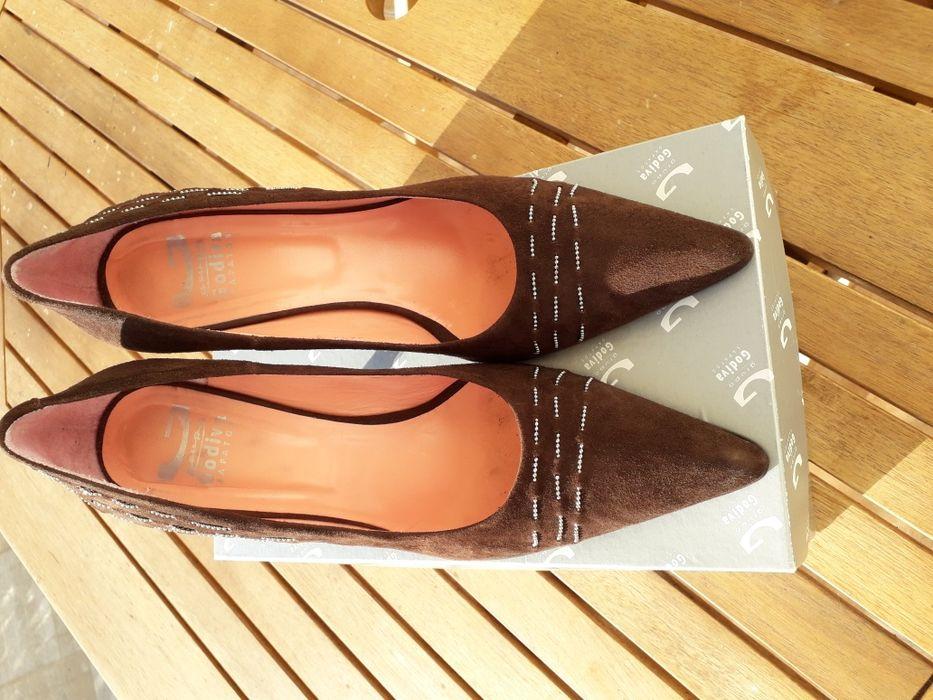 ab3e7b961 Sapatos - Calçado em Azeitão (São Lourenço E São Simão) - OLX Portugal