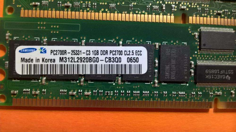 2X Samsung 1GB 1Rx4 PC2700R-25331-C3- CL2.5 DDR (333Mhz) –Valor( 2 ) Amadora - imagem 7