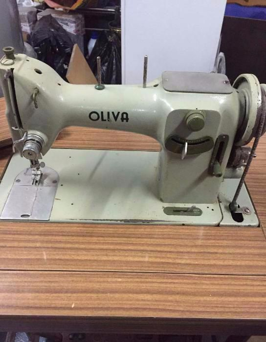 Peça de museu e a funcionar OLIVA de 1975 com motor e pedal
