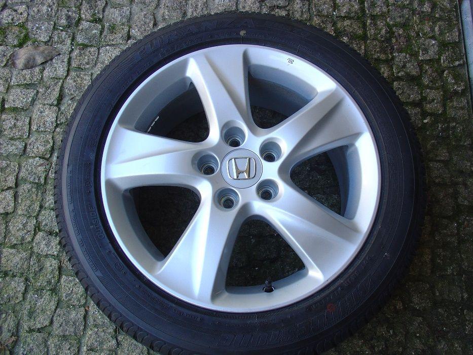 JLL e Pneus de Honda Accord