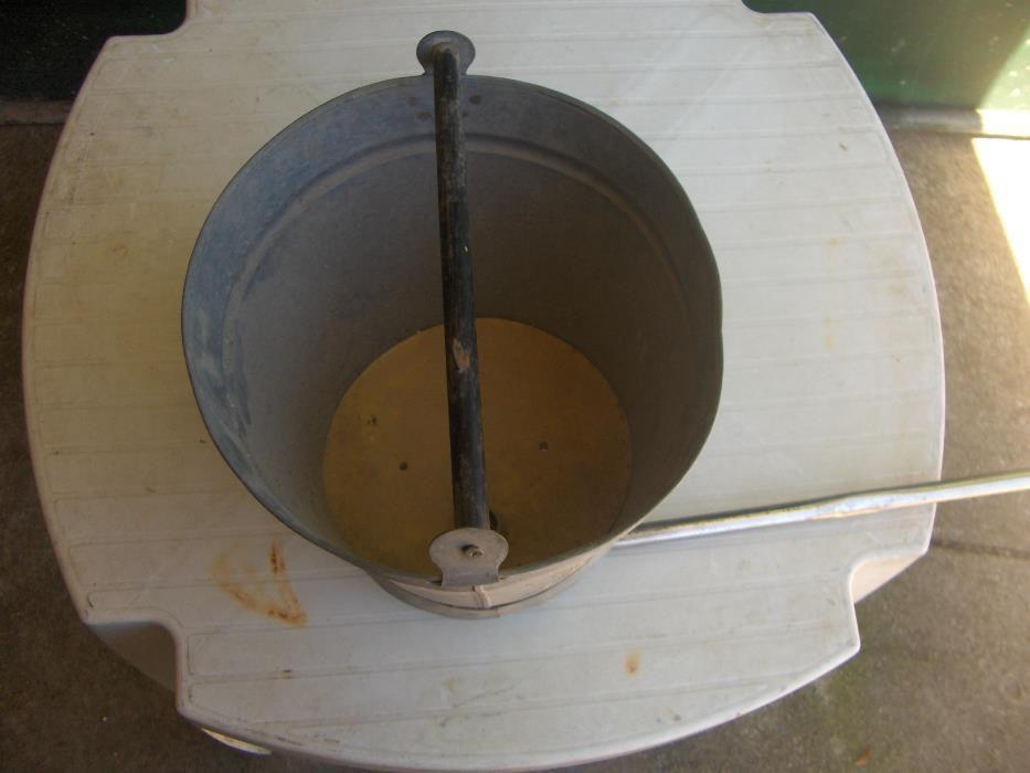 Balde chuveiro antigo Águas Santas - imagem 1