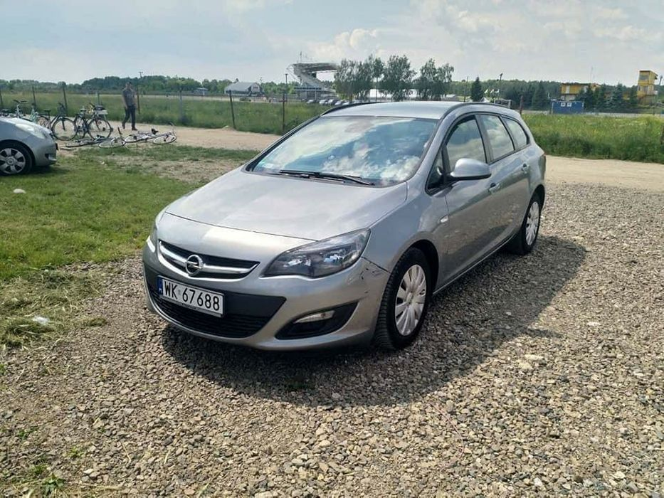 Тест драйв Opel Astra J (Опель Астра) | 700x933