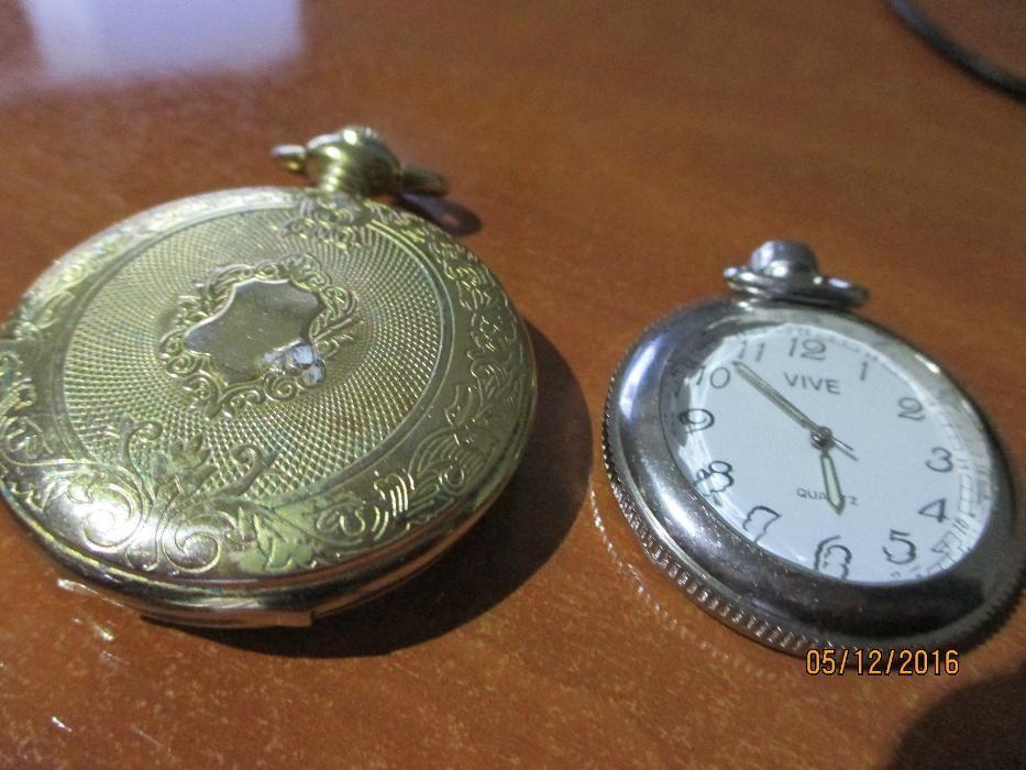 f3c3c424a1a 2 relógios de bolso raros- c medalha 5 Outubro1910 e Vive e bolsa Pinhal