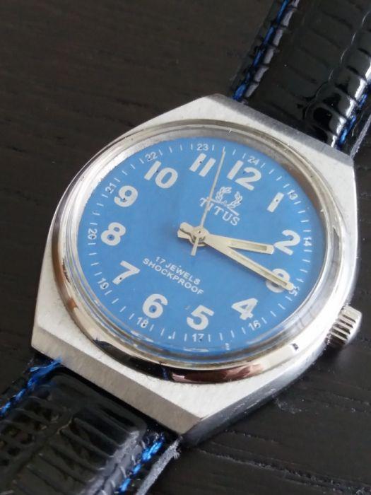 23fb190392e Relógio antigo suíço TITUS Perafita