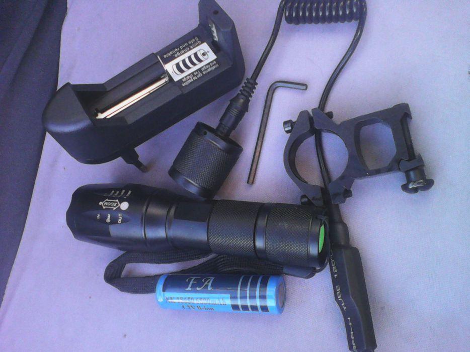Lanterna Cree Led 1300 Lumens com suporte arma