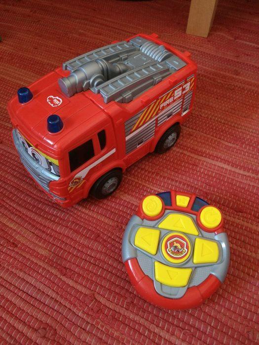 Carro de bombeiros telecomandado