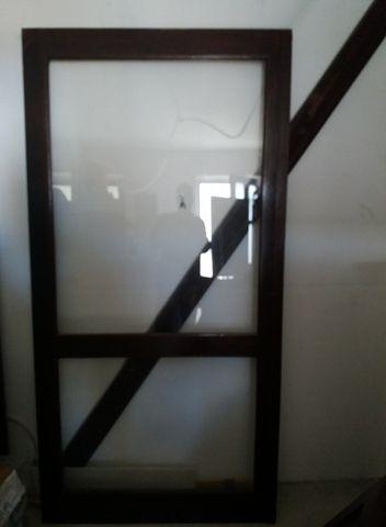 conjunto de portas de madeira de correr
