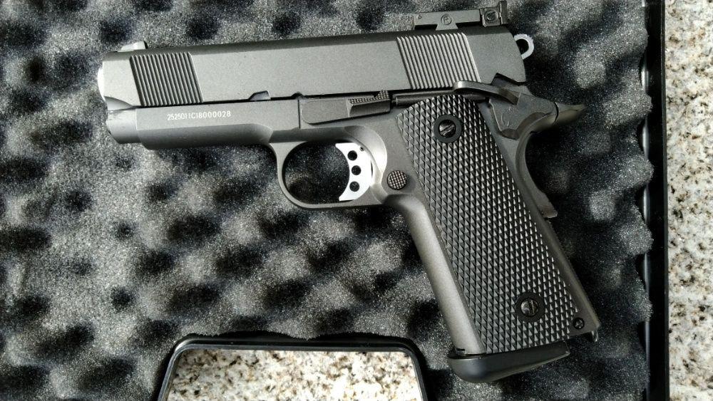 Pistola COLT Full Metal, NOVA, CO2, 350fps - Airsoft