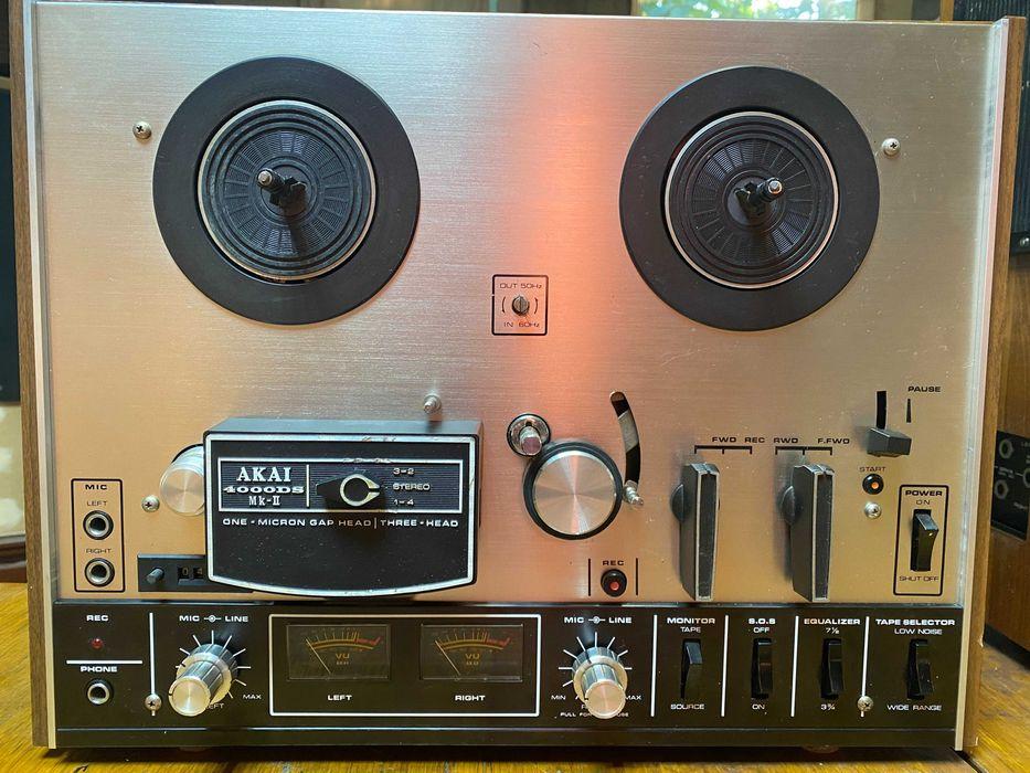 AKAI 4000DS MK II магнитофон катушечный ( бабинный)