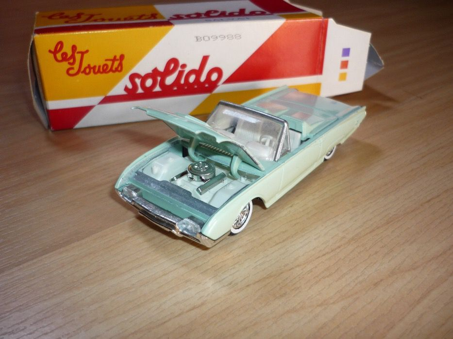Miniatura Ford Thunderbird da Solido esc.1/43