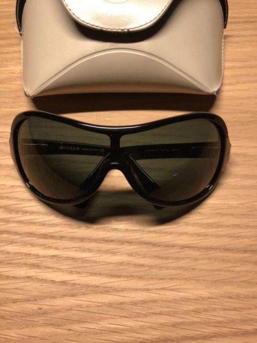 667b3bc3c2fdb 2 Oculos de Sol Vogue - Paranhos - Vendo 2 pares de óculos de Sol originais