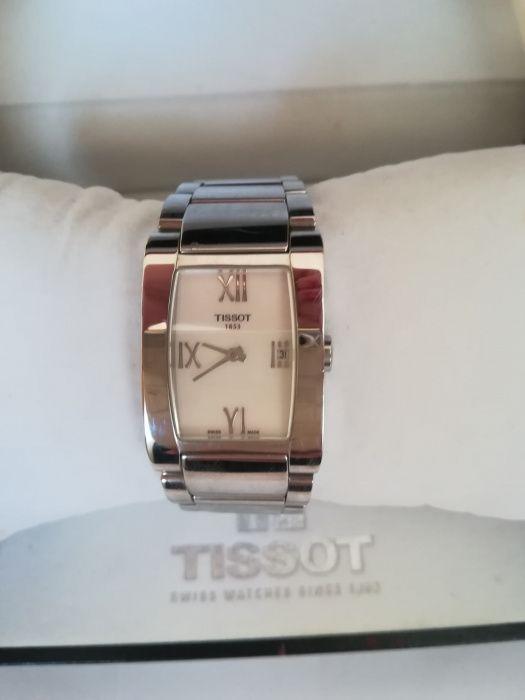 cc178993d4c Relógio Tissot novo T-LADY GENEROSI-T QUARTZ -50%