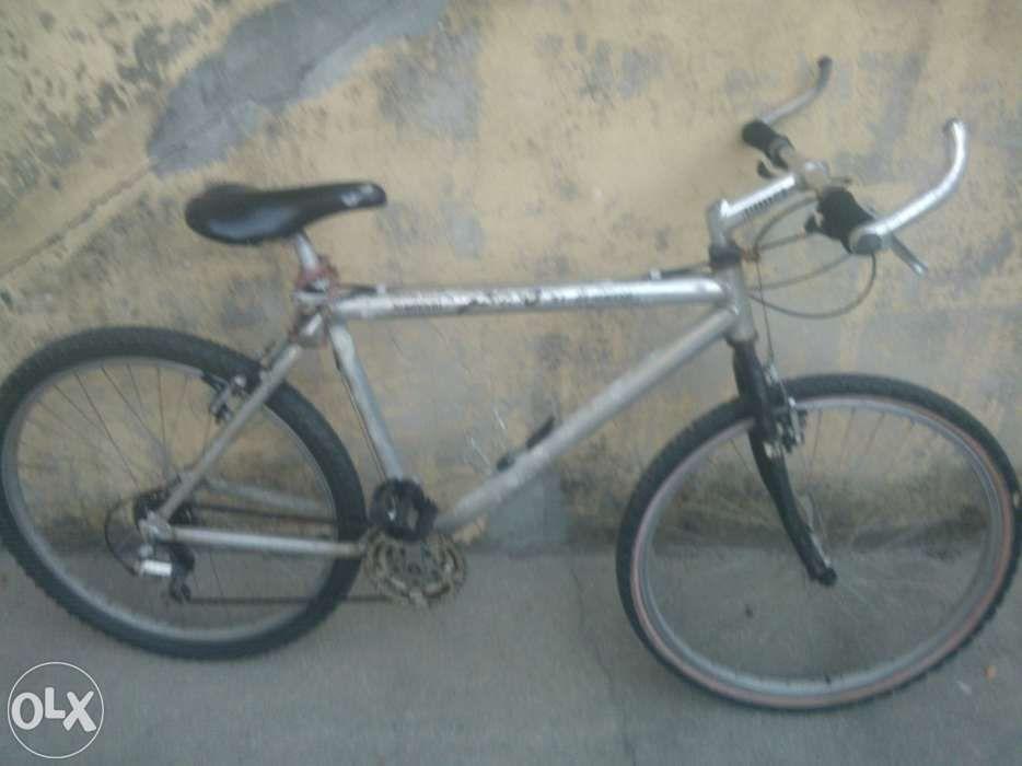 Bicicleta Shimano Alivio 21 Speed
