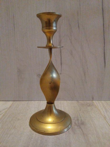Świecznik mosiężny na jedną świeczkę wysokość 17.5 cm