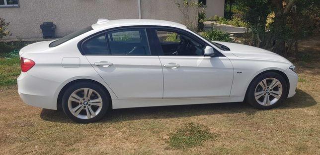BMW 318 Sport ano de 2014