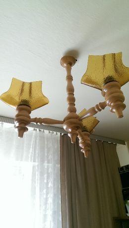 Żyrandol drewniany