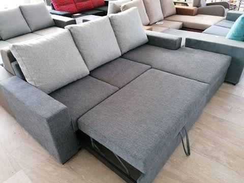 Chaise longue com cama e arrumação