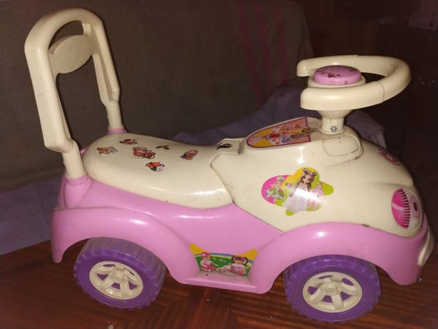 Продам детскую машинку.