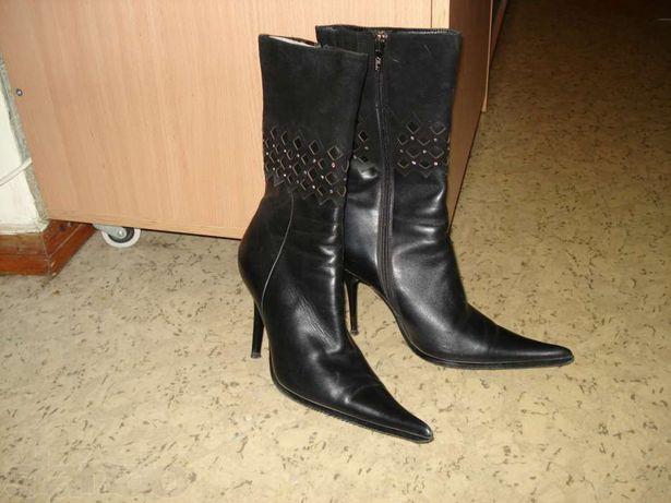 Продам женские демисезонные ботинки недорого.