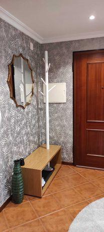 Apartamento T3 com excelentes dimensões| prédio familiar