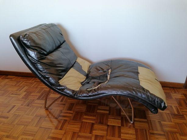 Chaise  ou  Divã